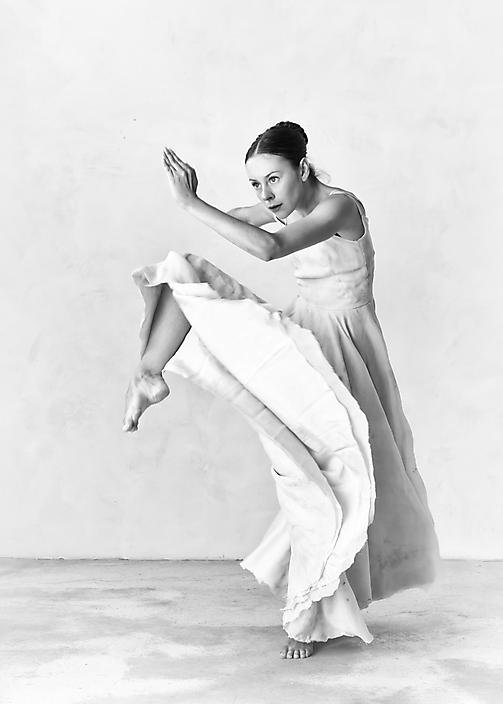 Danseres Ghislaine gemaakt in mijn foto atelier