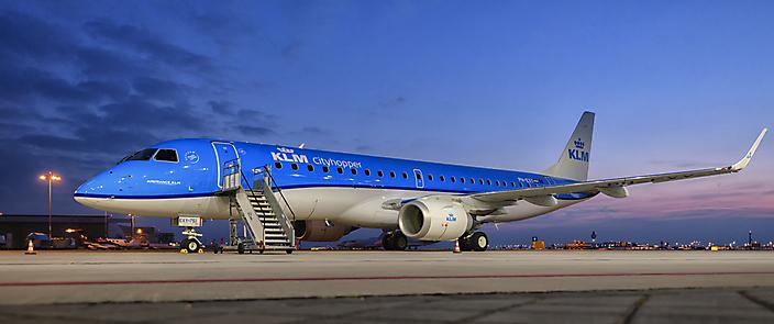 KLM Cityhopper Embraer PH-EXY 1st arrival op Schiphol