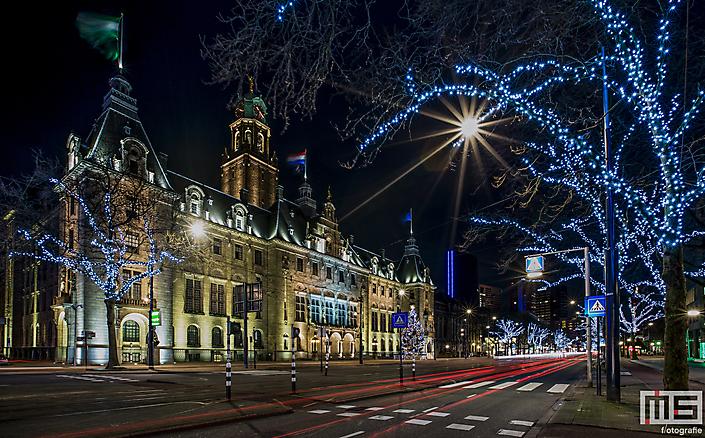 Het stadhuis van Rotterdam op de Coolsingel in Rotterdam