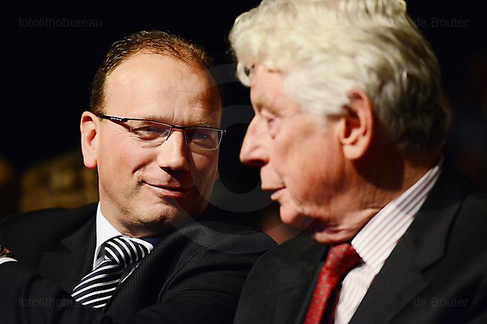 Ton Heerts in gesprek met Wim Kok tijdens congres FNV