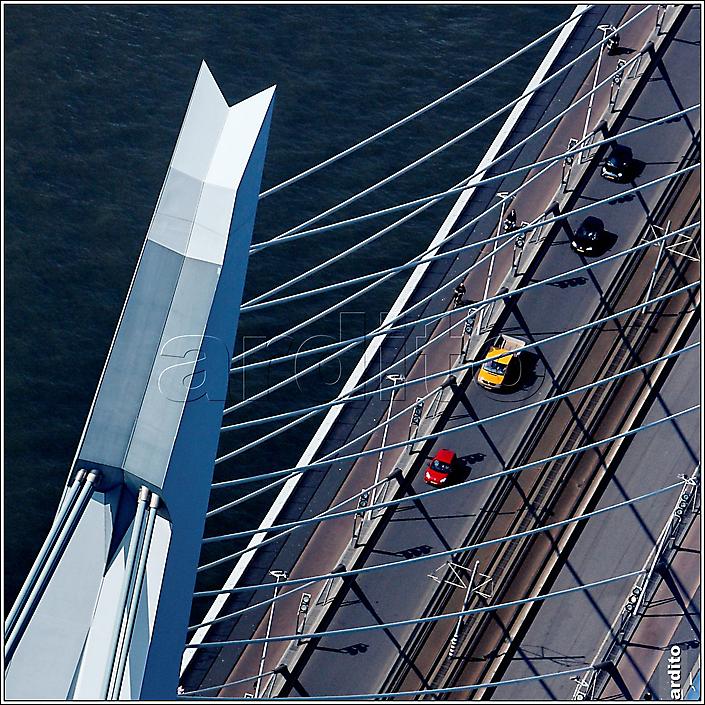 Rotterdam, verkeersstromen en oeververbindingen