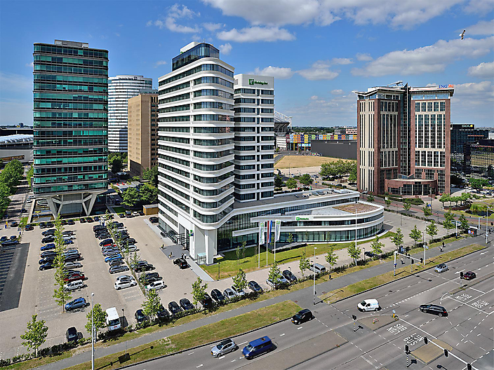 Holiday Inn / Arena Towers - Amsterdam Zuidoost - ZZDP / Mulderblauw architecten