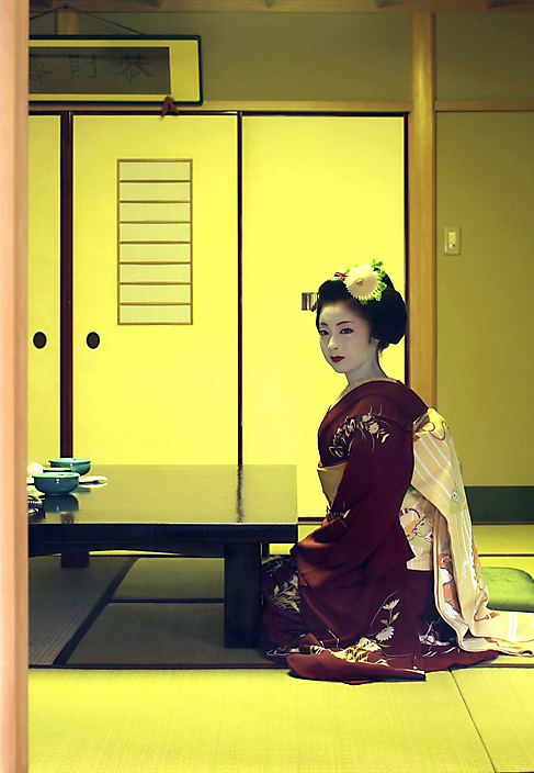 Kimika, apprentice geisha, Minatoya tea house,, Kyoto, Japan.