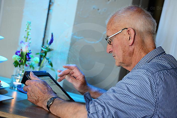 Congresganger met iPad