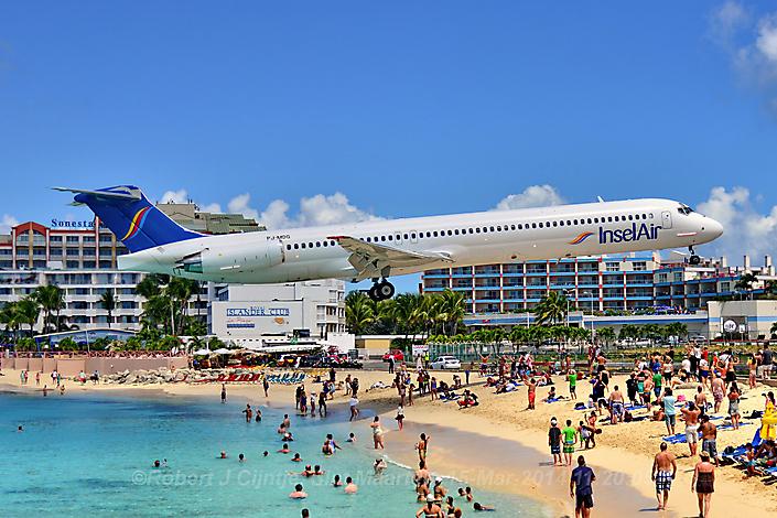 Een 'low approach' op Sint Maarten.