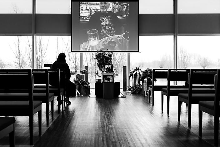 'eenzaam afscheid' Afscheidsfotografie Gaby Ermstrang Woudrichem 3