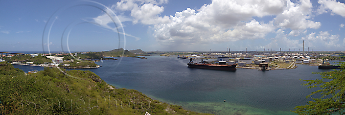 Curaçao-2011-1817-Panorama-petrochem-sWM