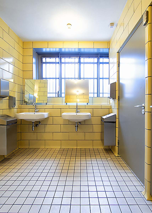 D26I3933wastafels wc heren web
