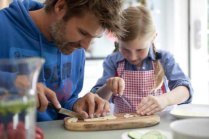 Daddy-Girl-Kitchen-HAL158