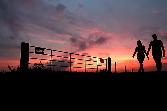 Fotojournalistiek Romantische avondwandeling in De Vierde Bergboezem in Breda.