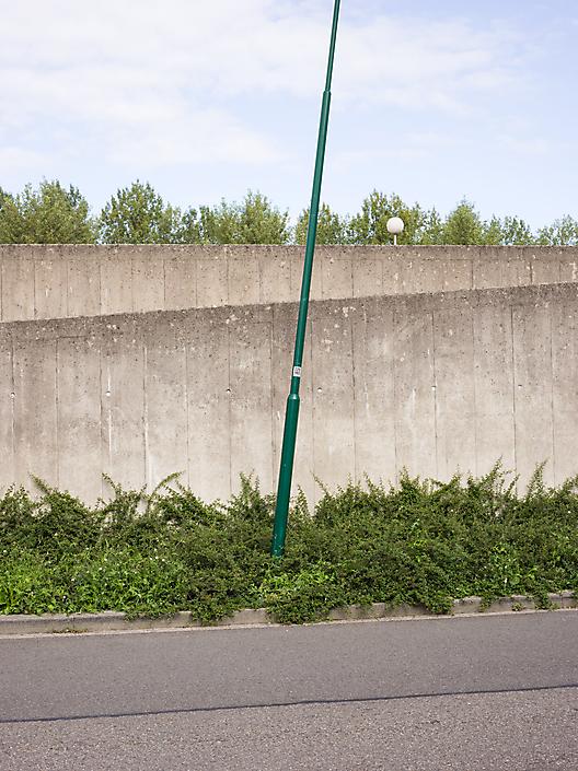 Groene-paal-staat-schuin_-Maarssen