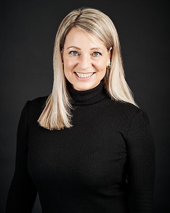 mr. Brenda Verrijk Juriste studioportret
