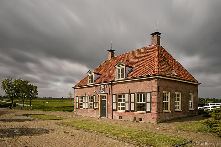 Rijksmonument Sluishuis van het Ampt van Neijkerk - voor restauratie