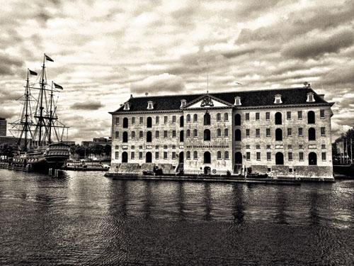 Scheepvaartmuseum met de Amsterdam