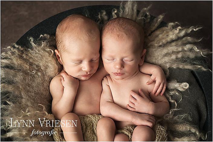 Tweeling Jaxx en Vince 13 dagen jong - Newborn fotograaf Arnhem