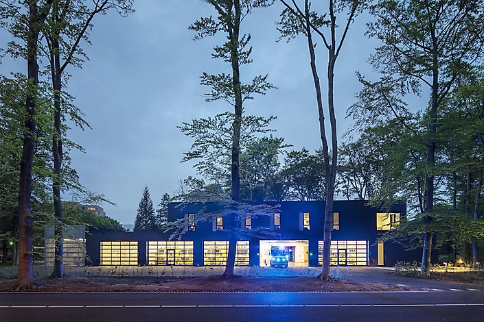 Ambulancepost Hilversum / Wiegerinck Architecten